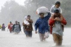 powerful-photos-hurricane-harvey-texas-18-59a52523b8808__700