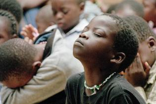 praying-children