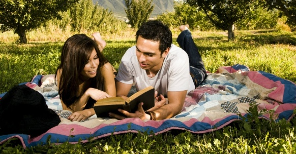 12696-bible-study-couple-read-date.1200w.tn