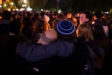 nydn-mourners-remember-victims-of-pittsburgh-synagogue-shooting-at-candlelight-vigil-20181028