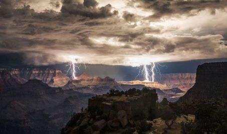 Double lightning at the Grand Canyon