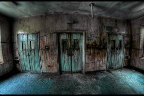 pick a scary door