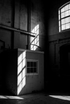 groningen_shadow_black_white-453794