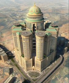 Abraj Kudai, Saudi Arabia - world's largest hotel (currently under construction)