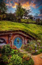 Hobbit House, New Zealand (photo by Jamie Wipiiti)