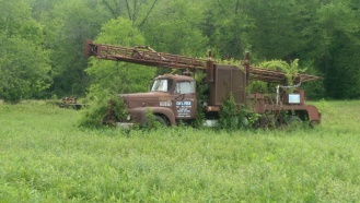Abandoned truck, Hocking Hills, Ohio (photo by Mitch Teemley)