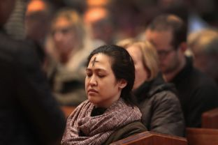 chicago-catholics-observe-beginning-of-lent-with-ash-wednesday-mass-646842504-5c42869c46e0fb00019e55f2