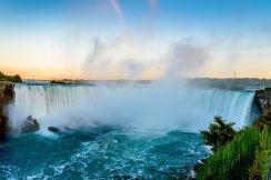 Niagara Falls (Honeymoon Central). US