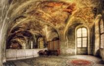 Painted ceiling (Pati Makowska)