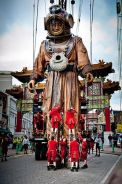 Royal de Luxe giant street theatre puppets 3