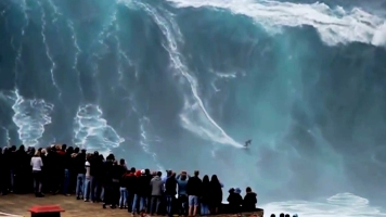 The biggest wave ever surfed (Nazare)
