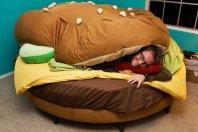Burger Bed (shutterblog.com)