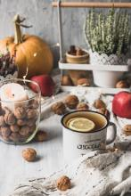 Nuts in stillife by Svitlana (unsplash.com)