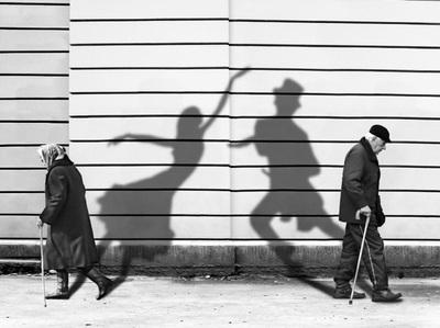Shadows1 (yovanaperez.weebly.com)
