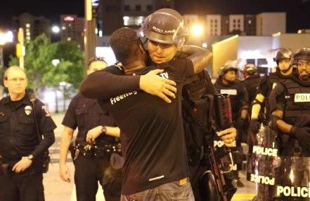 free-hugs-police-video-89411a82de4915e1