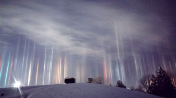 Light Pillars in Northern Ontario - photo credit, Timothy Joseph Elzinga (boredpanda.com)