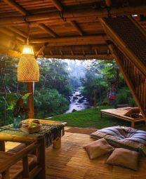 Cozy deck on a river (barnorama.com)