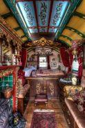 Gypsy wagon home (casadevalentina.com)