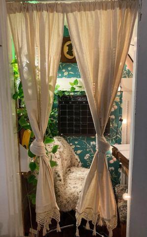Messy closet turned cozy office, MA (reddit.com)