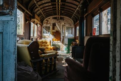 Old streetcar turned cozy hideaway (reddit.com)