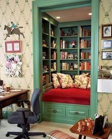 Super-cozy reading nook (paintedbyprestige.com)
