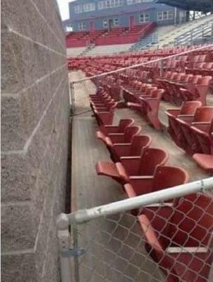The cheap seats (en.kueez.com)