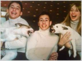 Why dogs shouldn't be in family photos 2(en.kueez.com)