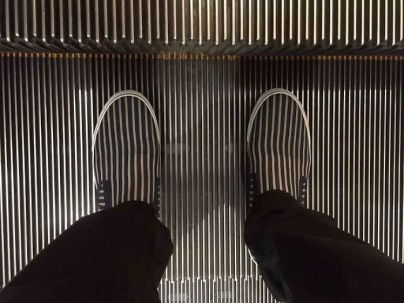'Man's Feet Brutally Eaten by Escalator!' Br135han (boredpanda.com)