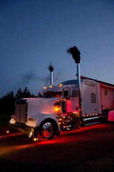 Classic Deisel truck (kenworth.com)