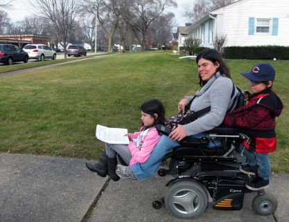 Jenn Thomas and her kids - 'Parenting with Disabilities' (huffpost.com)