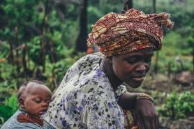 'Mother and Baby Cassava Farming' by Annie Spratt (unsplash.com)