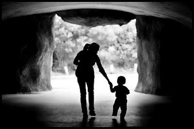 'Mother and Son Shadow' (sunaina-patnaik.blogspot.com)