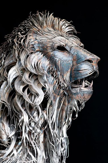 'Aslan' scrapmetal lion (detail) by Selçuk Yılmaz (theendearingdesigner.com)