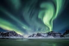 'Giochi In Verde,' Iceland by Vanda Bodoardo (buzzerilla.com)