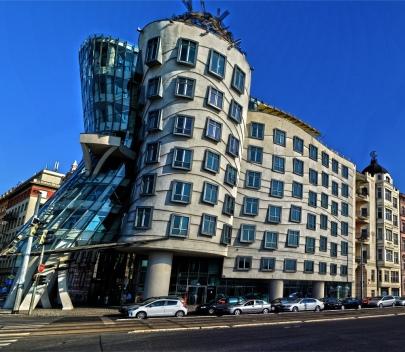 Dancing House, Prague, Czech Republic (getbybus.com)