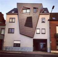 For some reason, no one will rent the top unit - architecture shaming (boredpanda.com)