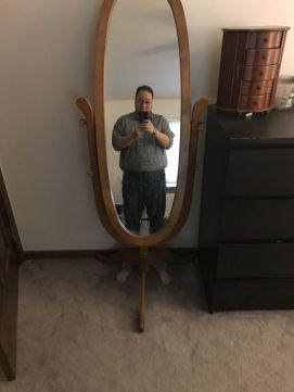 He texts, 'I'm trapped in the mirror...again' (neatorama.com)