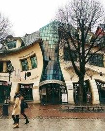 Not Photoshopped. Ok, but then, why - architecture shaming (boredpanda.com)