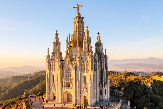Temple Expiatori del Sagrat Cor, Barcelona, Spain (getbybus.com)
