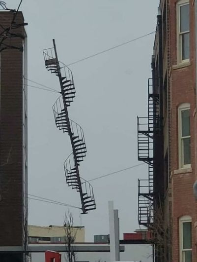 Unfinished Stairway to Heaven - architecture shaming (boredpanda.com)