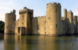 Bodiam Castle, East Sussex, England (blazepress.com)