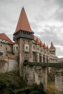 Bran Castle, site of the Dracula legend - photo by Julia Volk (pexels.com)