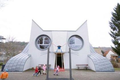 Cathouse (ebaumsworld.com)