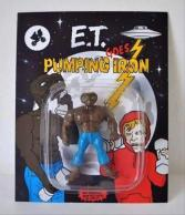 'E.T. Schwarzenalien Goes Pumping Iron' so he can save us from all those evil hoody-wearing zombies! (dumpaday.com)
