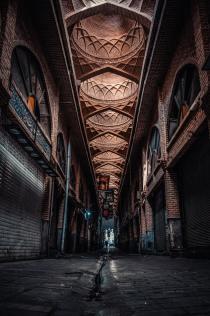 Goldsmith's Market, Tehran - photo by Omid Armin (unsplash.com)