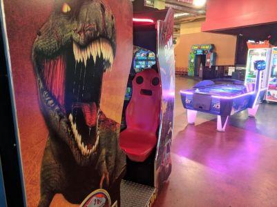 Traumatized arcade seat - MrDeathMonkey (reddit.com)