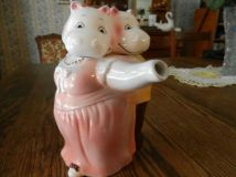 Dancing Hippo Couple Teapot (etsy.com)