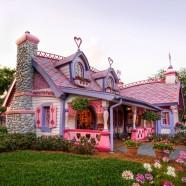 Gingerbread House, Orlando, Florida (thephotomag.com)