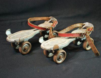 Old-school Metal Roller Skates (etsy.com)