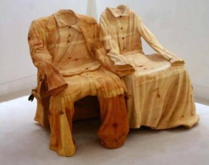 Old-timer his and hers chairs (1stdibs.com)